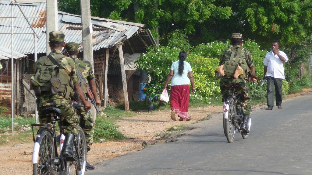 Militaires à bicyclette